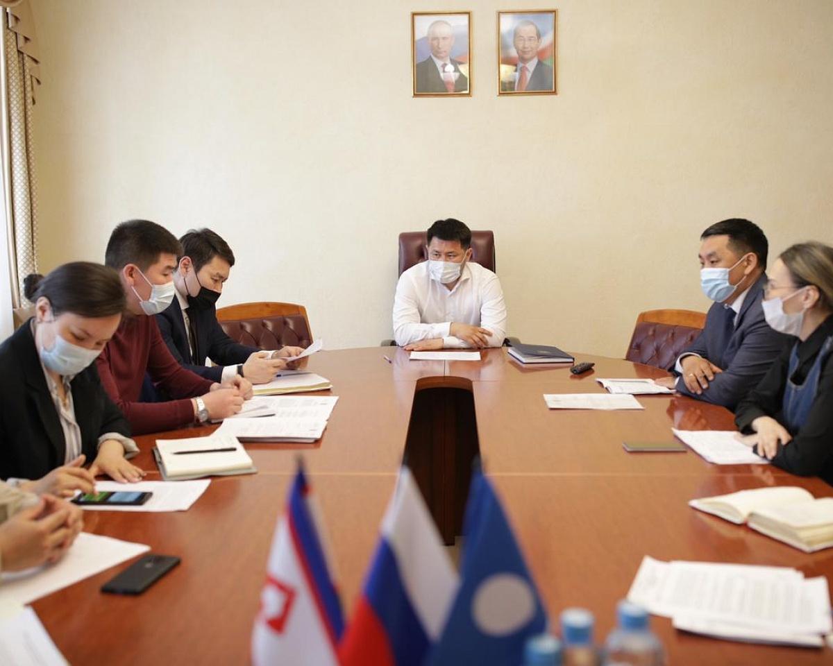 Евгений Григорьев обсудил с руководством УГСЖН вопросы самовольного строительства