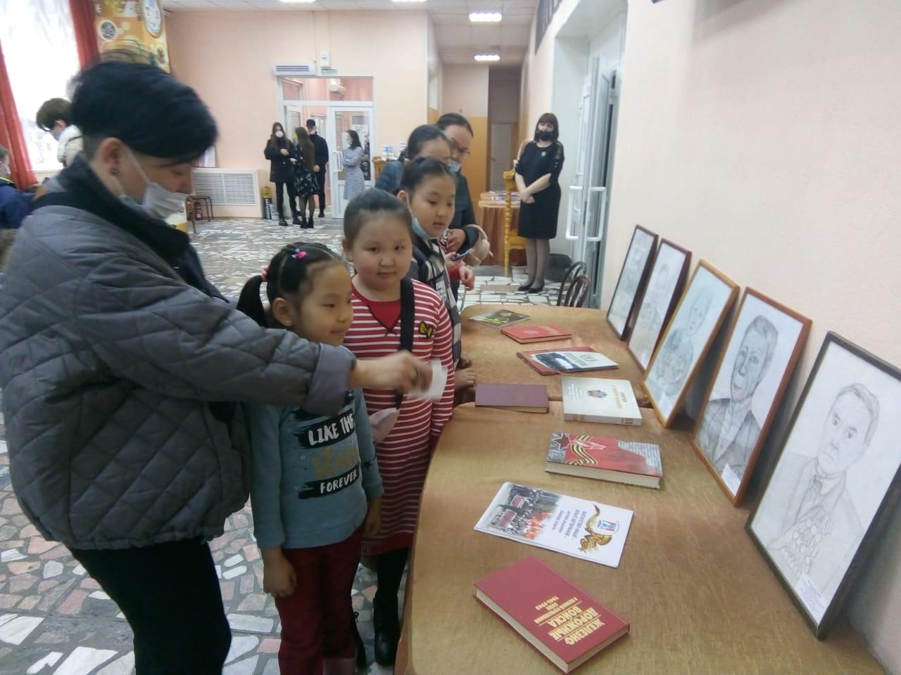 Вспомним всех поименно. Учащиеся Алданской школы искусств им. А.Т. Никитина рисуют портреты ветеранов войны