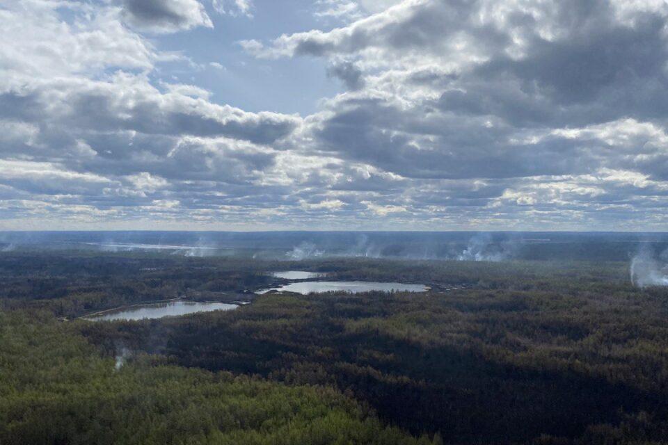 Минэкологии Якутии: на территории лесного фонда республики тушат 5 пожаров