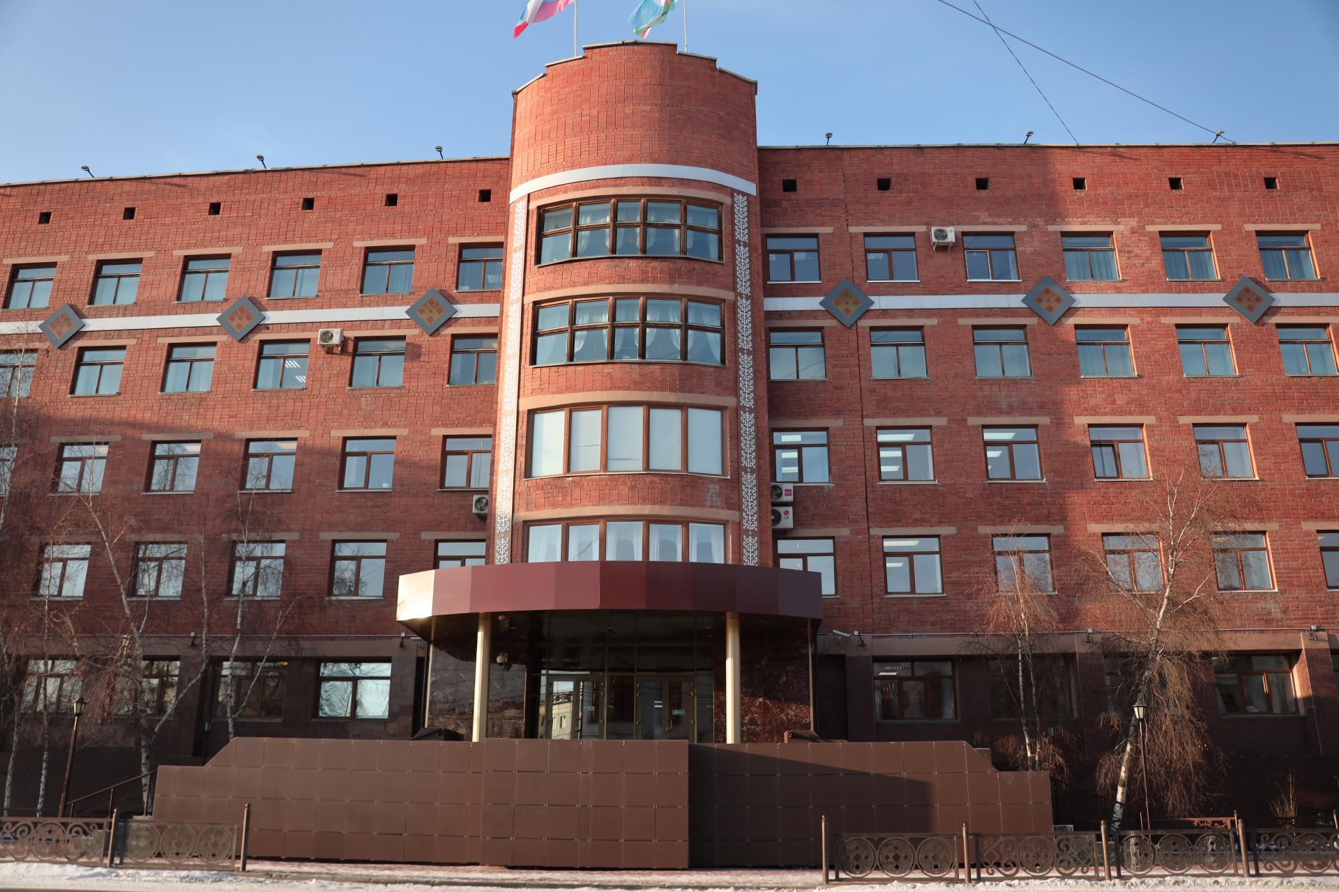 Ил Тумэн  проголосовал за поправки в Конституцию РС