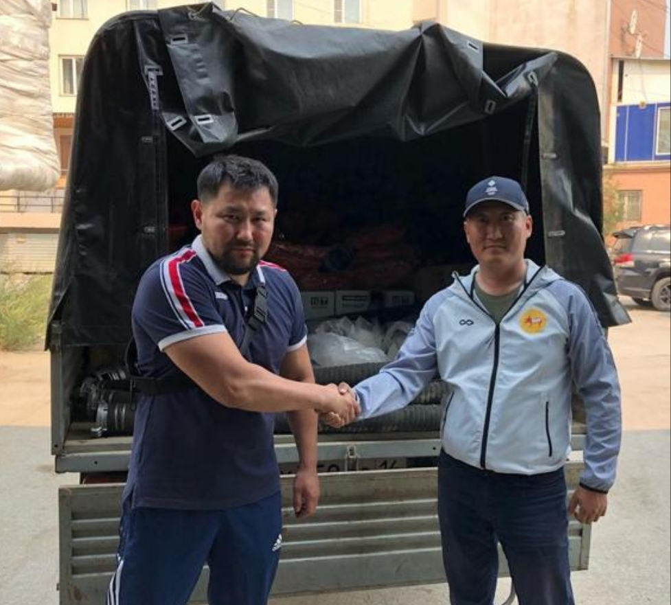 Окружной администрацией г. Якутска переданы снаряжения для тушения лесных пожаров в Горном улусе