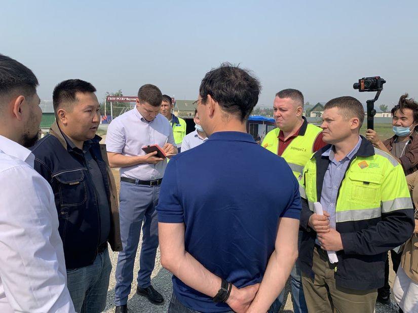 Депутат Феликс Романов участвовал в объезде объектов дорожного ремонта Якутска