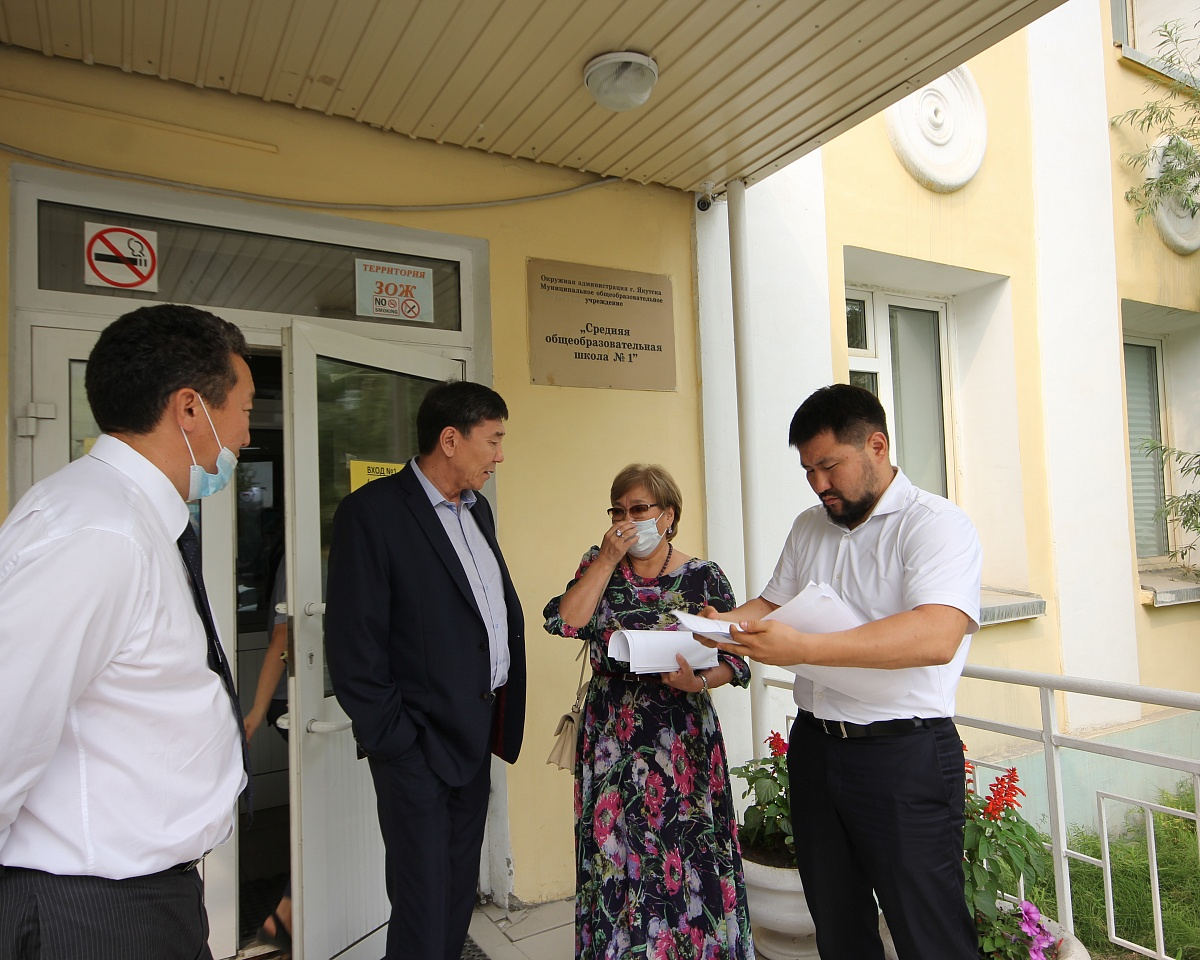 Евгений Григорьев: «Сохранение школы является приоритетом для нас»