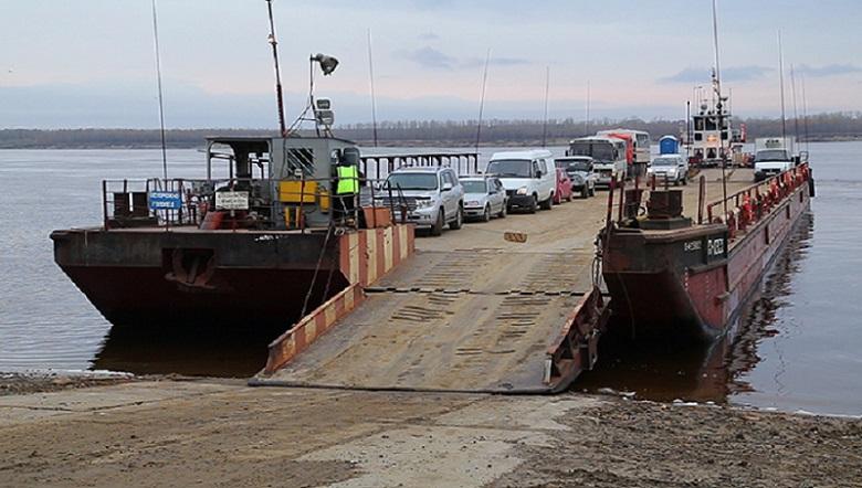 Движение паромов на реке Лена из-за отсутствия видимости временно приостановлено