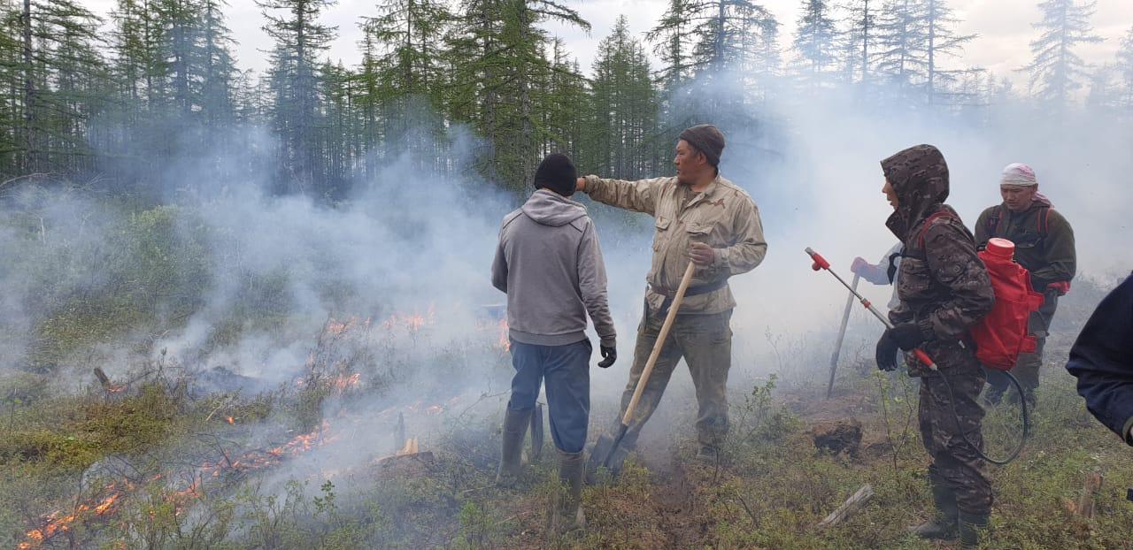 Парламент Якутии активно участвует в добровольческом движении по борьбе с лесными пожарами