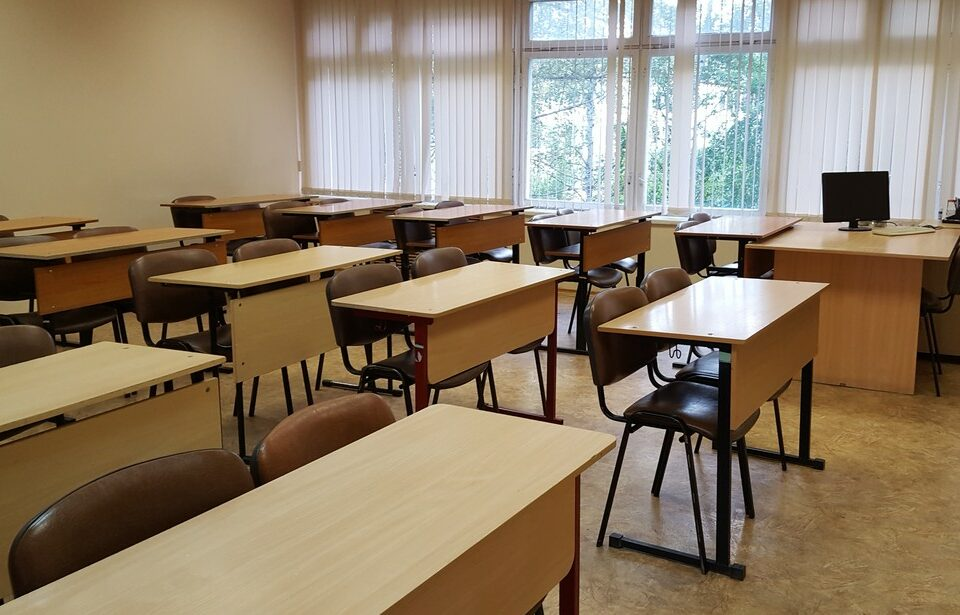 Роспотребнадзор принимает школы Якутии к новому учебному году
