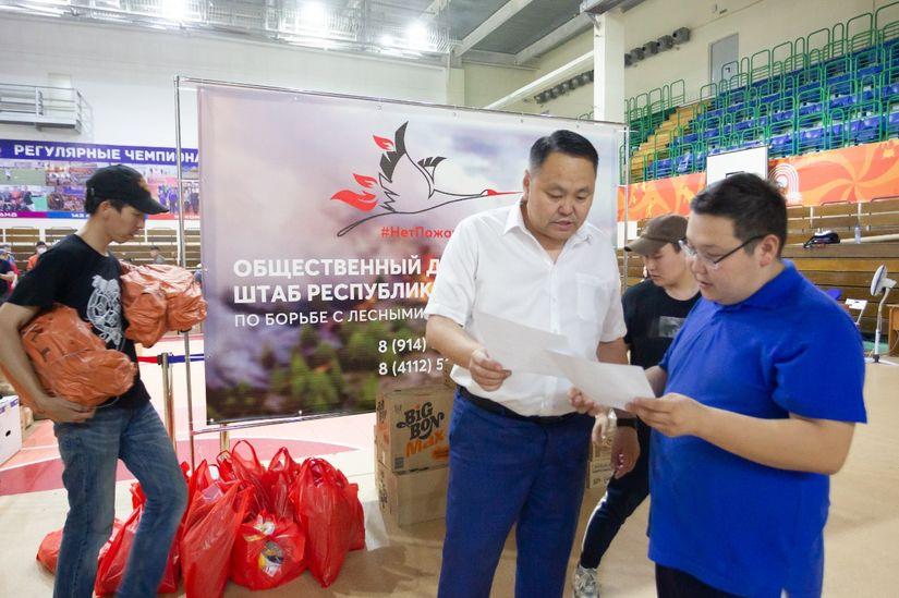 Альберт Семенов передал добровольческому штабу 100 тысяч рублей