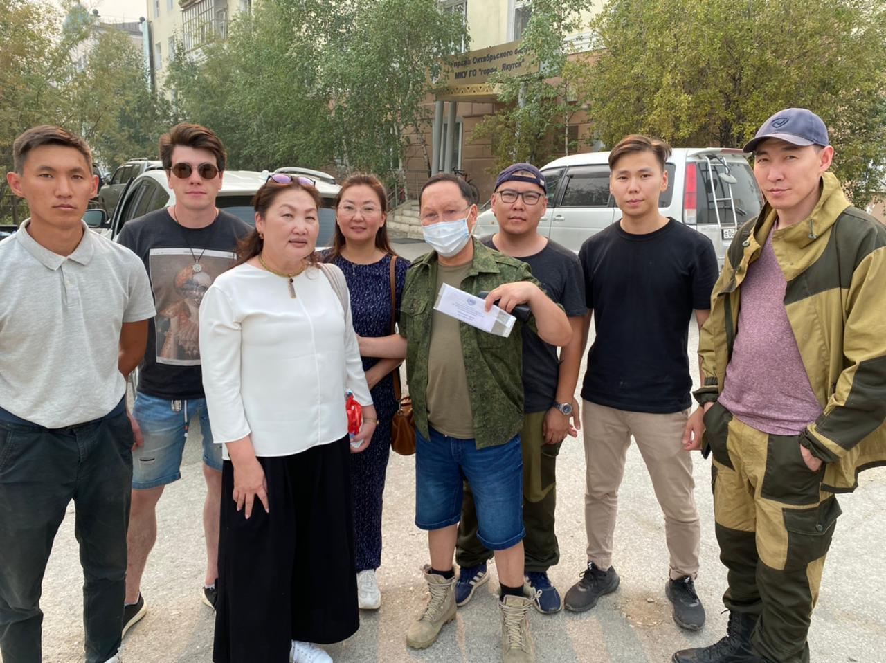 Молодые парламентарии Якутии выехали в село Тастах Намского района для участия в борьбе с лесными пожарами