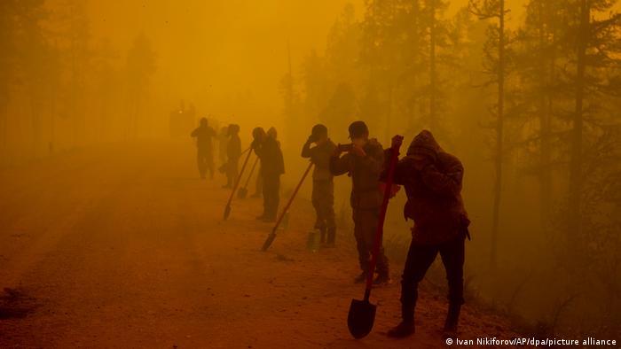 Сотрудники Россельхозбанка помогают в борьбе с пожарами
