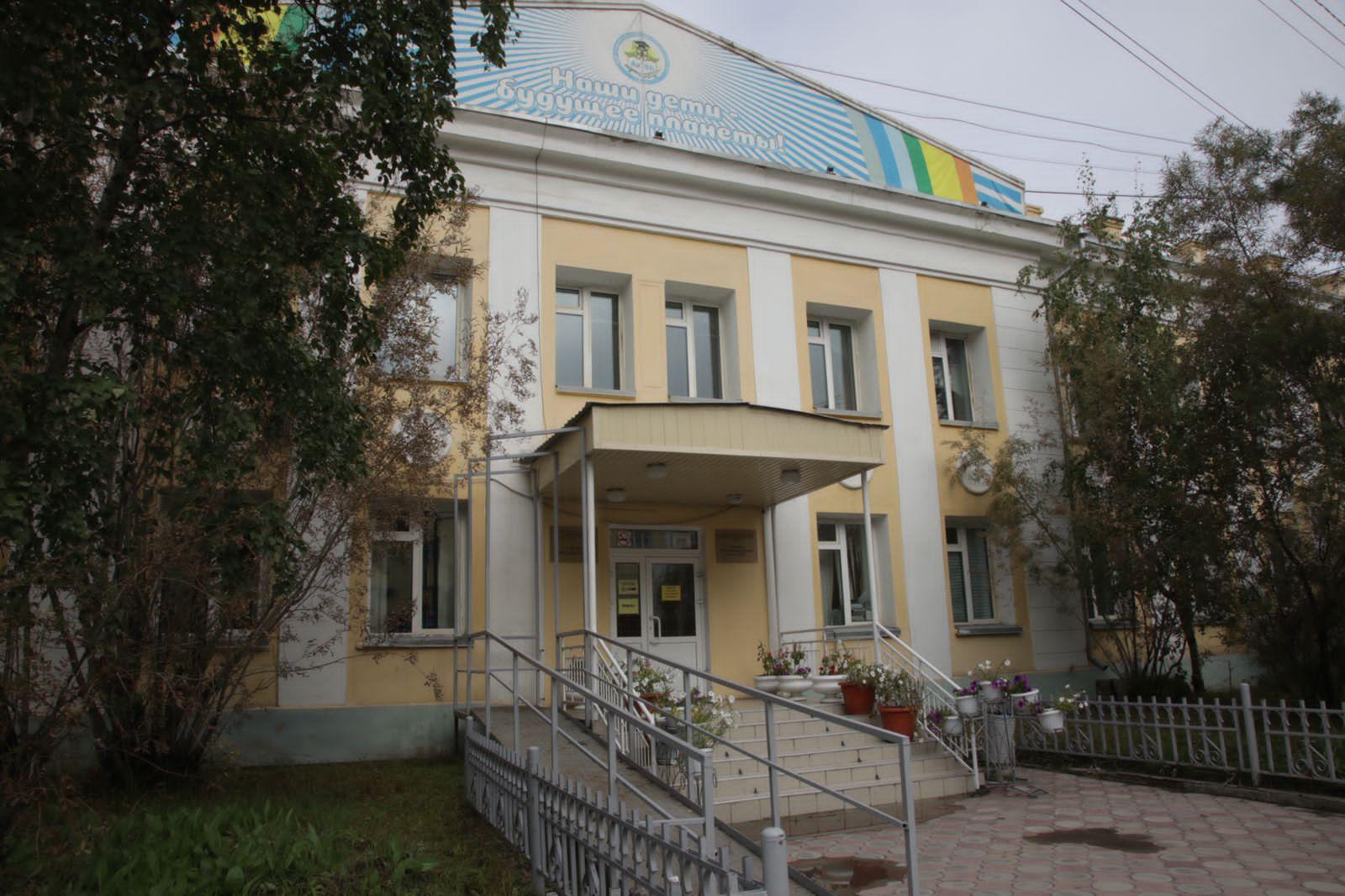 Школе № 1 разрешили провести новый учебный год в своем здании