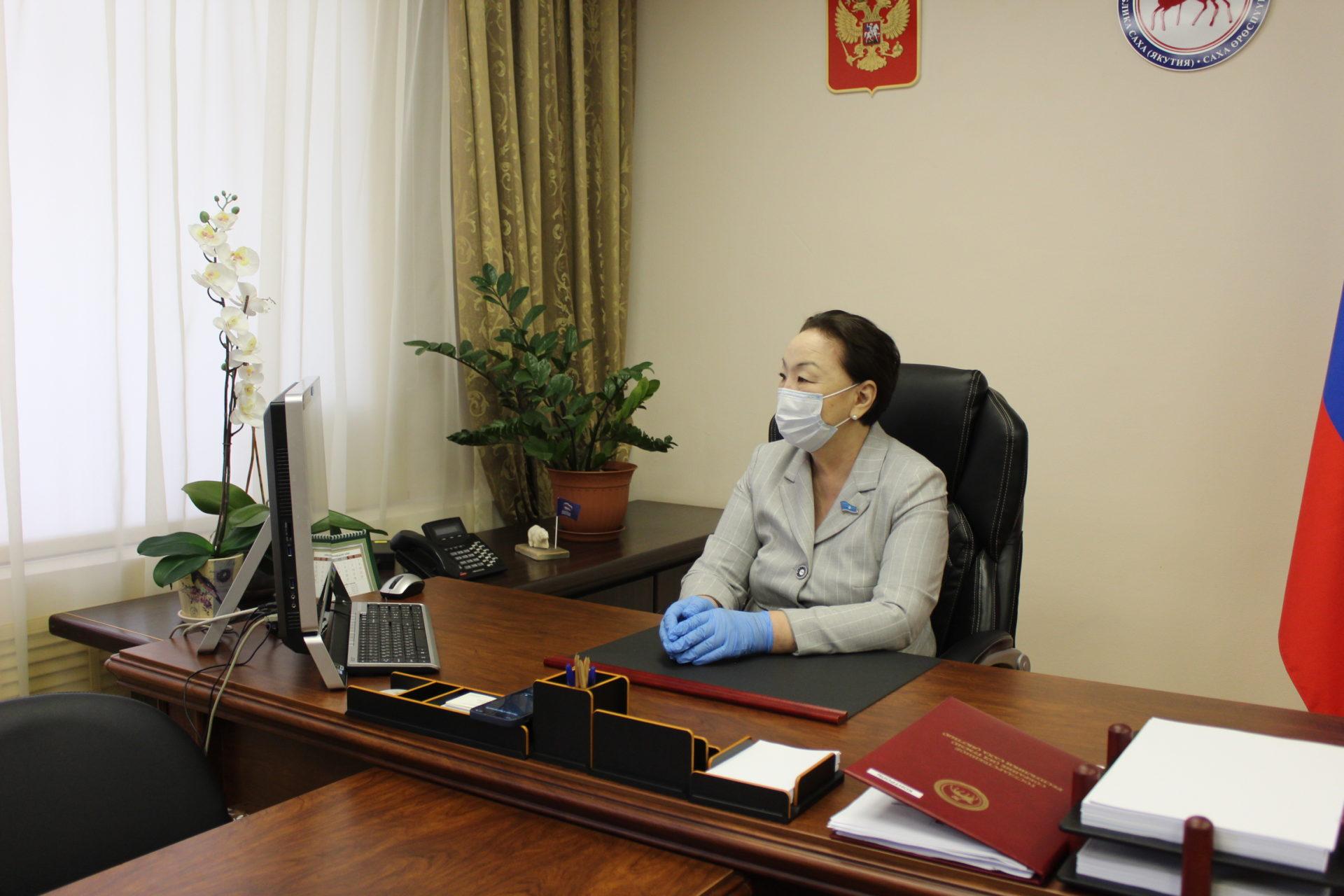 Антонина Григорьева приняла участие в пленарном заседании Августовского совещания работников образования Якутии