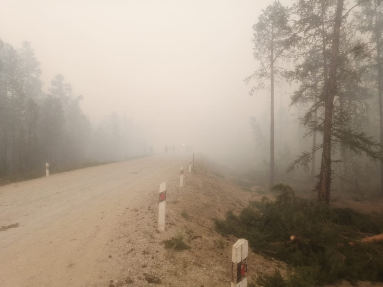 По автодороге «Кобяй» ограничено видимость из-за дыма