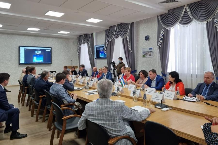 СВФУ подписал меморандум о сотрудничестве с опорными вузами и специальными партнерами ПАО «Газпром»