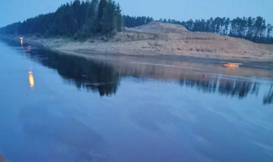 Минэкологии Якутии проверяет информацию о разливе нефти на реке Лене