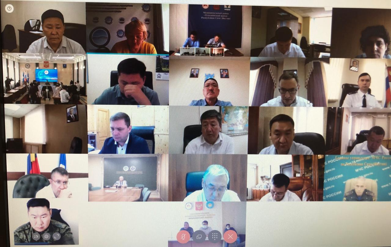 Глава Сунтарского улуса А.В. Григорьев выступил с докладом на совещании Главы Республики Саха (Якутия) А.С.Николаева