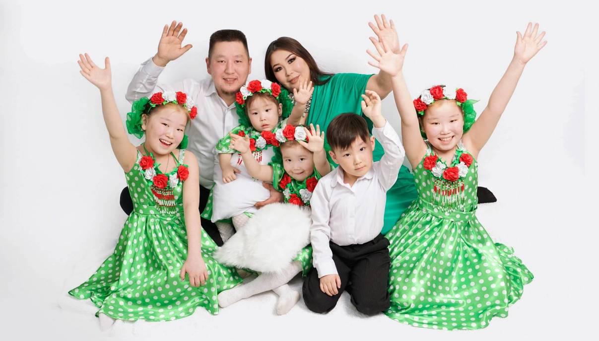 Семья Егоровых из Нюрбинского района Якутии одержала победу в номинации «Многодетная семья» Всероссийского конкурса «Семья года»