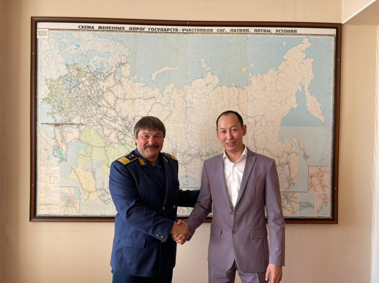 Василий Шимохин и Василий Николаев обсудили вопросы в транспортной сфере