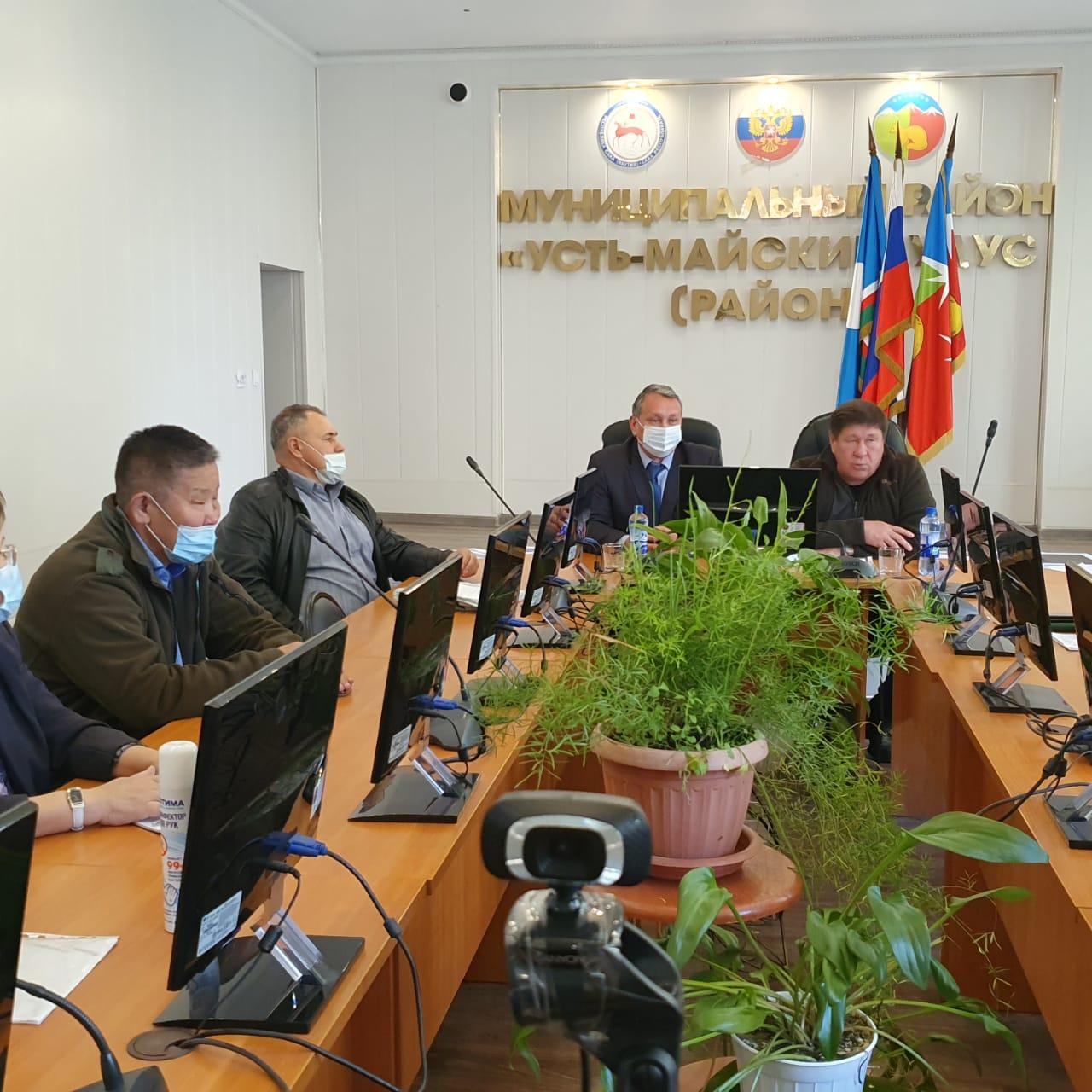 Сергей Ларионов работает в Усть-Майском районе