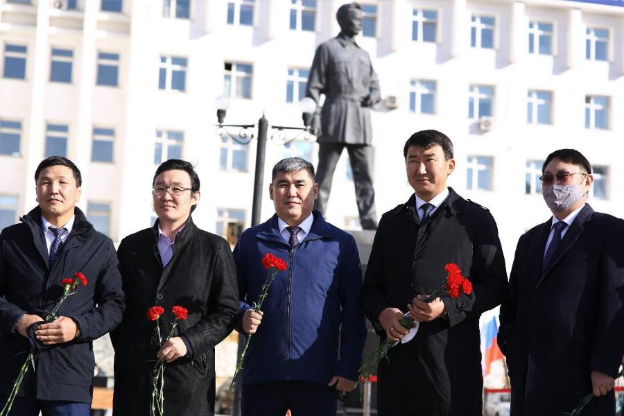 В СВФУ отметили День государственности РС(Я)