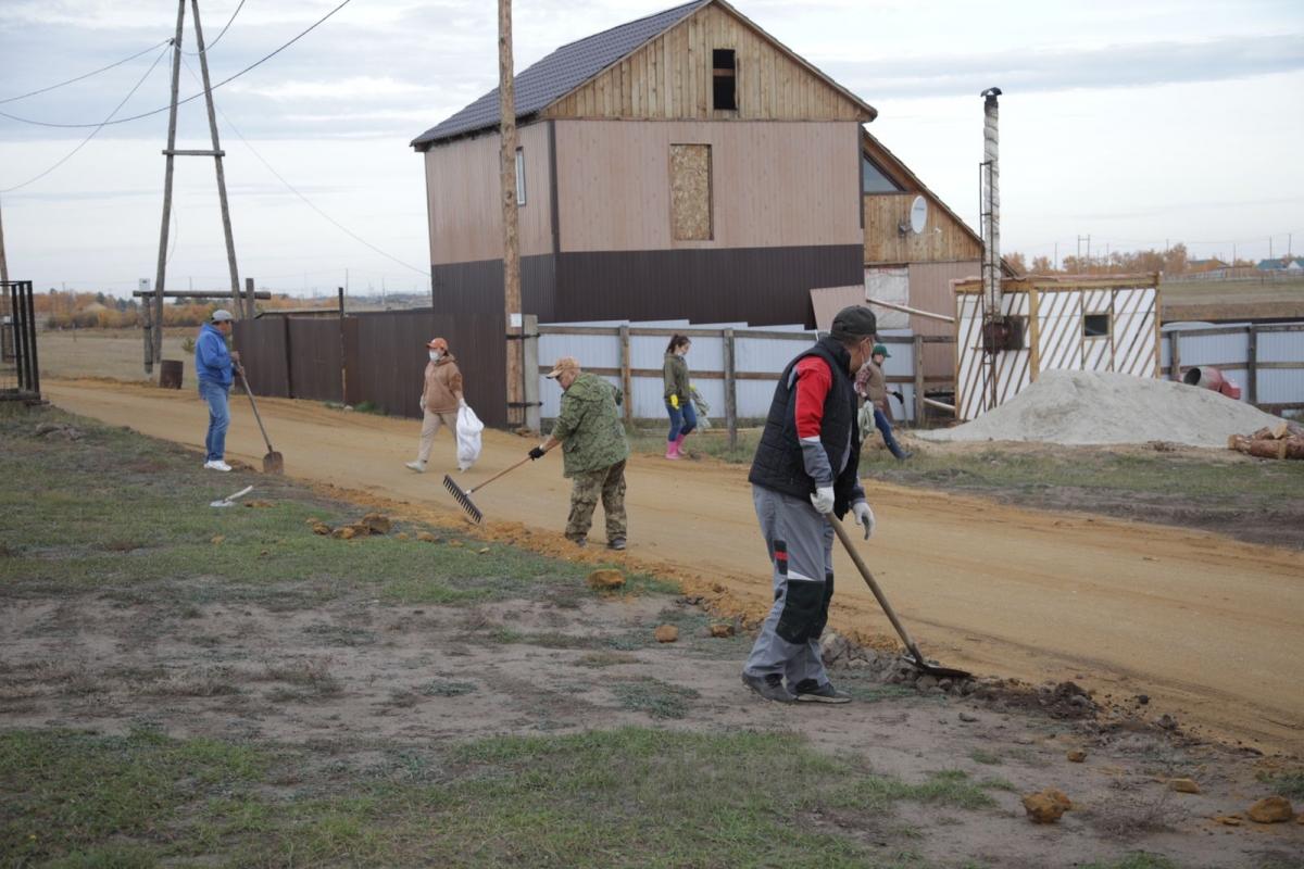 Инициативные жители микрорайона «Тускул» Автодорожного округа Якутска провели субботник