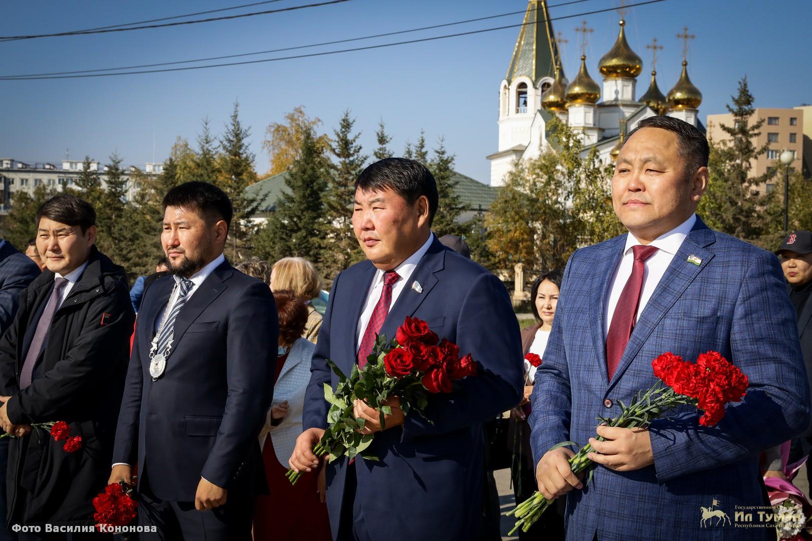 Председатель Ил Тумэна Алексей Еремеев вручил государственные награды в День города Якутска