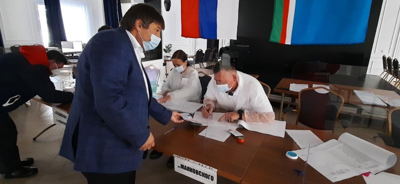 В Культурном центре АО «АК «ЖДЯ» в Алдане начались выборы депутатов в Государственную думу