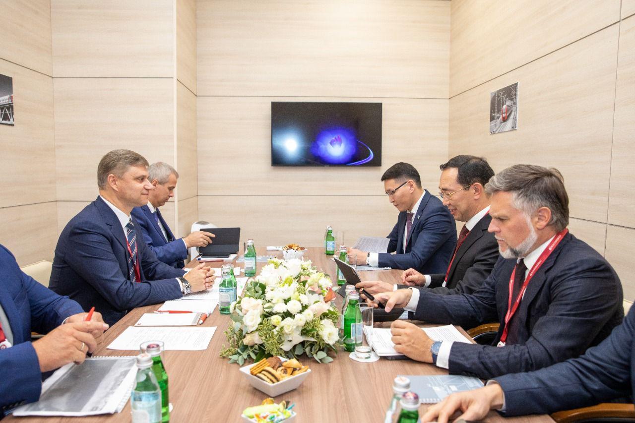 Проблемы модернизации железнодорожной инфраструктуры Якутии обсудили в рамках Восточного экономического форума