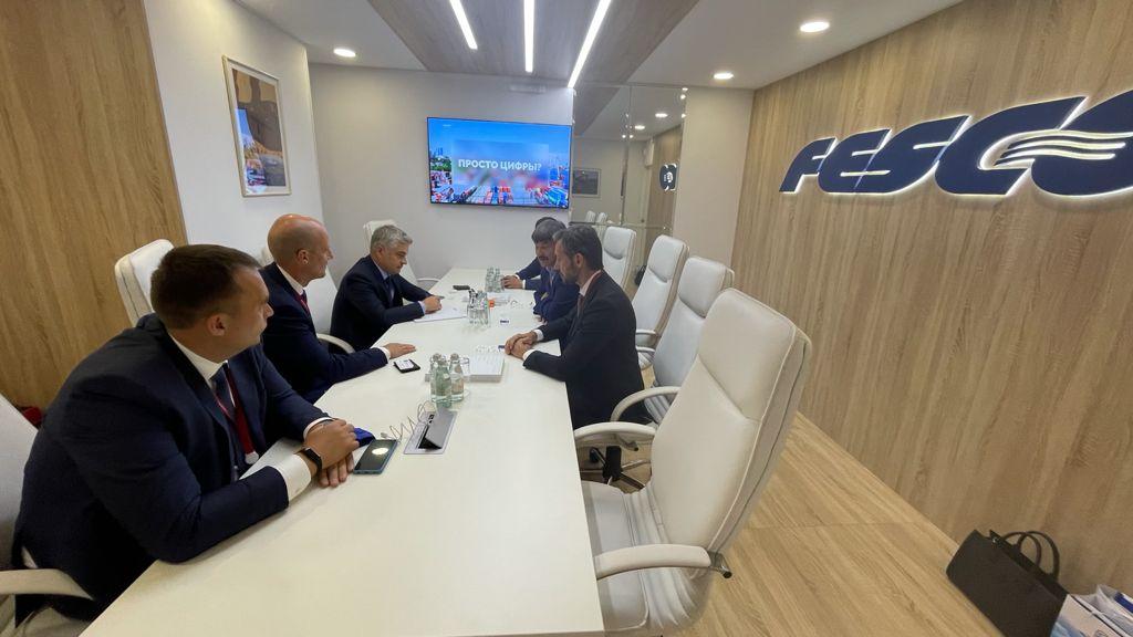 Акционерная компания «Железные дороги Якутии» и ПАО «Трансконтейнер» провели встречу в рамках ВЭФ — 2021