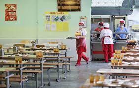 Качество питания в детских садах и школах города обсудили на постоянной комиссии Якутской городской Думы
