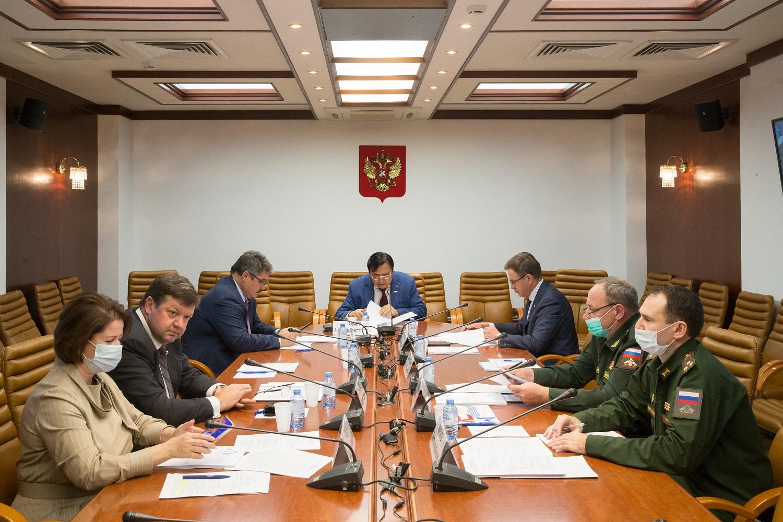 Александр Акимов провел круглый стол по совершенствованию механизмов государственной поддержки северного завоза