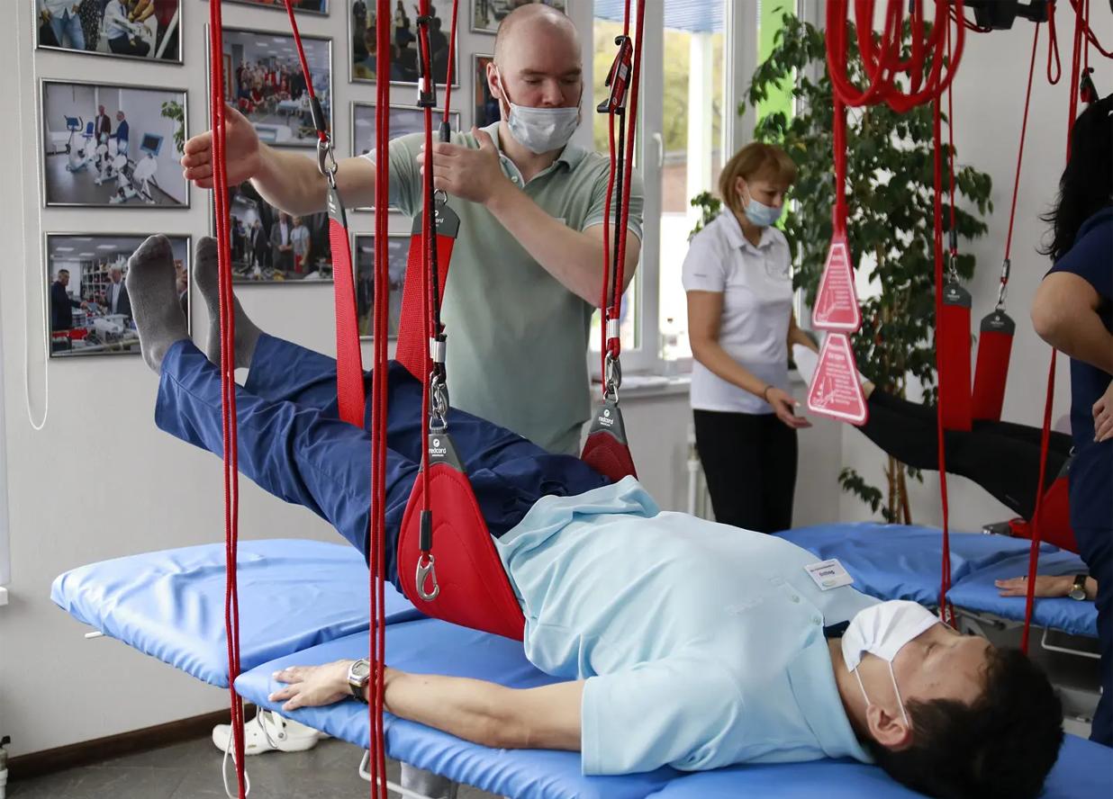 В РКБ №3 применяют новый тренажер для реабилитации пациентов с заболеваниями опорно-двигательной системы