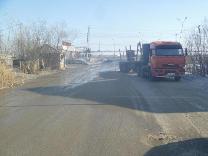 В Якутске «КамАЗ» совершил наезд на ребенка