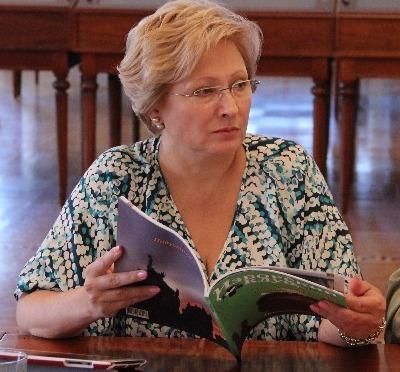 """В Якутии заместителя министра ищут судебные приставы… и не могут """"найти""""."""