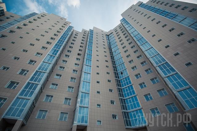 Жители аварийных домов получили ключи от новых квартир в столице
