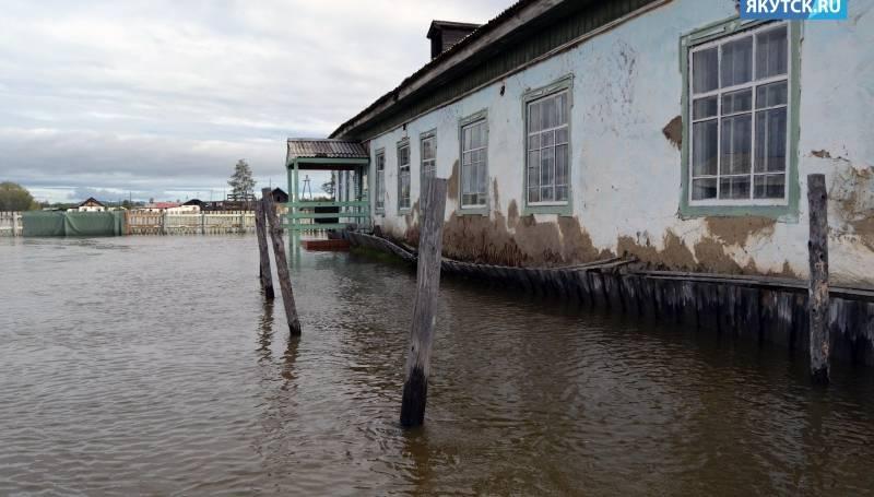 В селе Березовка Среднеколымского района река подтопила несколько домов