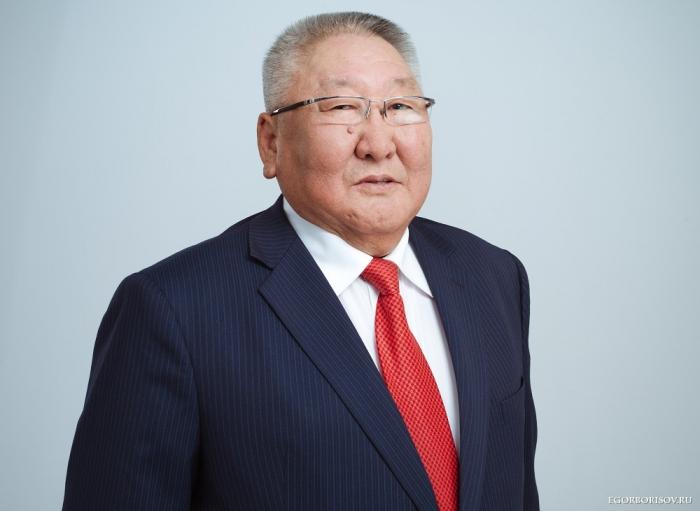 Глава Якутии обещает своевременно завершить программу по ликвидации аварийного жилфонда в регионе