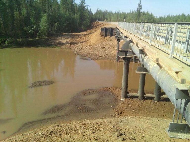 Минприроды проводит проверку по факту загрязнения реки Таас-Юрях