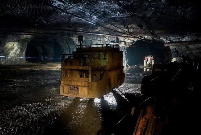 АЛРОСА: Поднято на поверхность 133 шахтера, ведутся поиски 9-ых