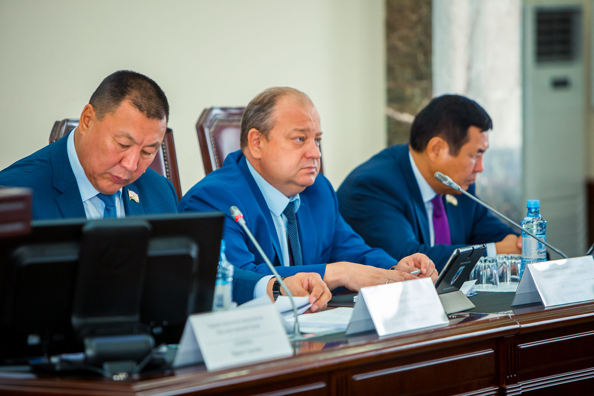 Накануне Дня города состоялось заседание депутатов  Якутской городской Думы