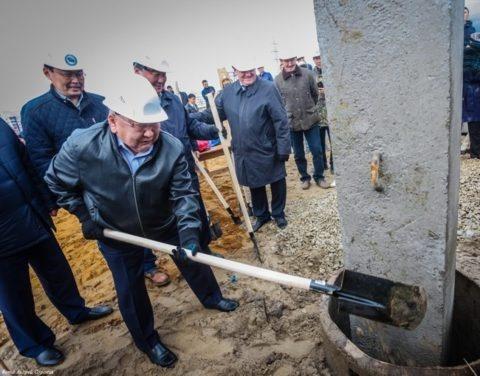 В Якутске забита первая свая долгожданного онкоцентра