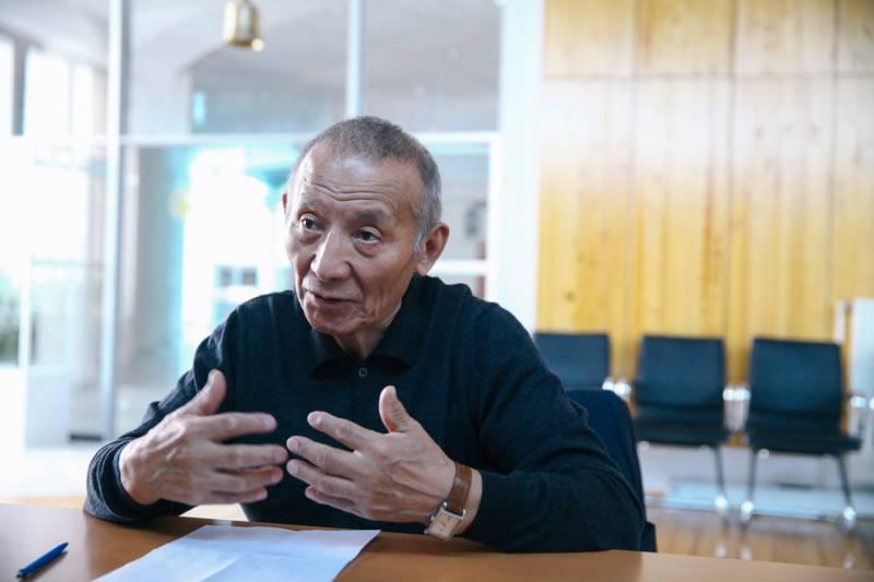 Алексей ТОМТОСОВ: «Меня тревожит тенденция преподавать математику, физику на якутском языке. Это большая глупость»