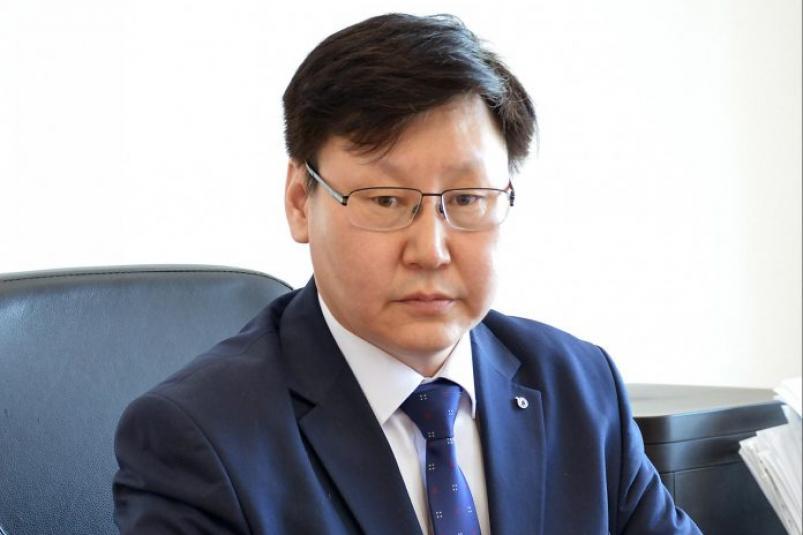 Сын бывшего министра образования Якутии претендует на пост ректора СВФУ