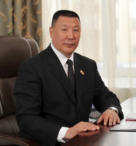 Спикер Якутской городской Думы поздравил сопартийцев