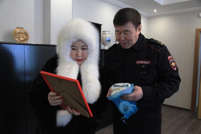 Городская полиция присоединилась к акции «Добрые ручки»