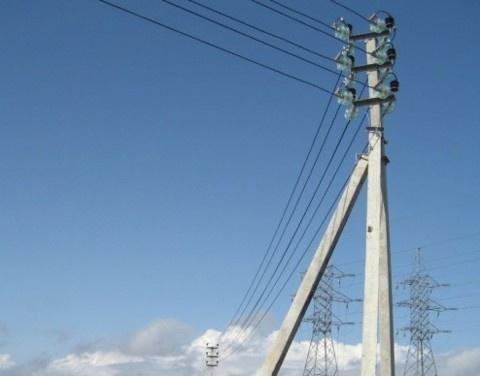 В селе Березовка начались работы по восстановлению электроснабжения