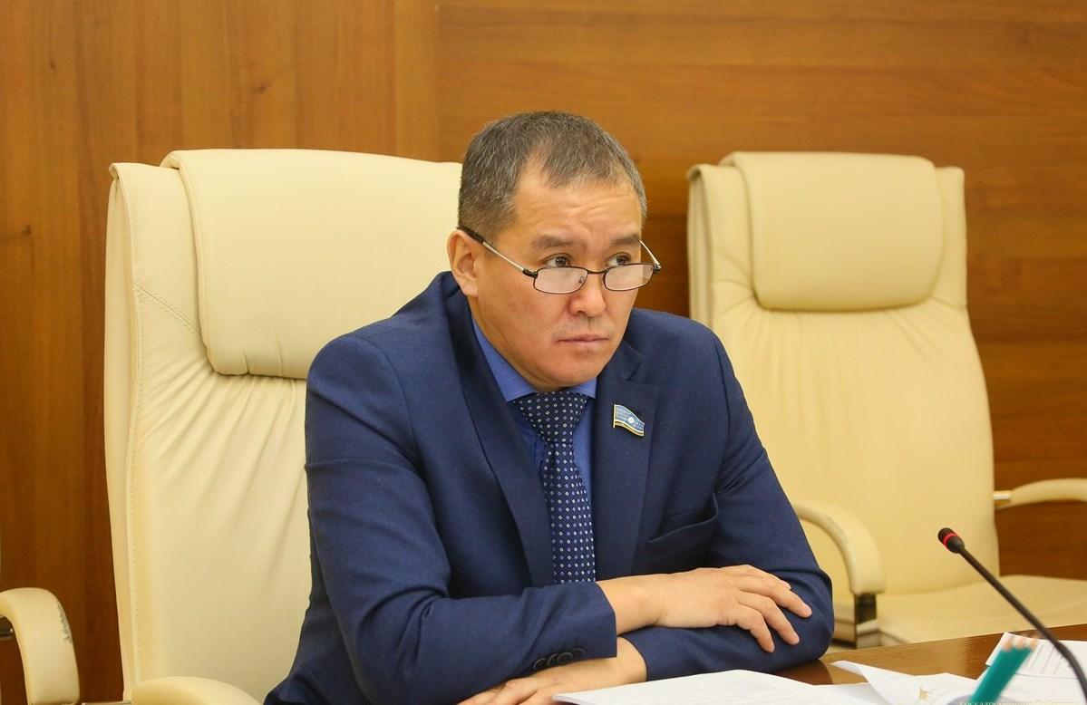 Айсен Николаев дал поручение незамедлительно принять меры по инциденту с Юрием Садовниковым
