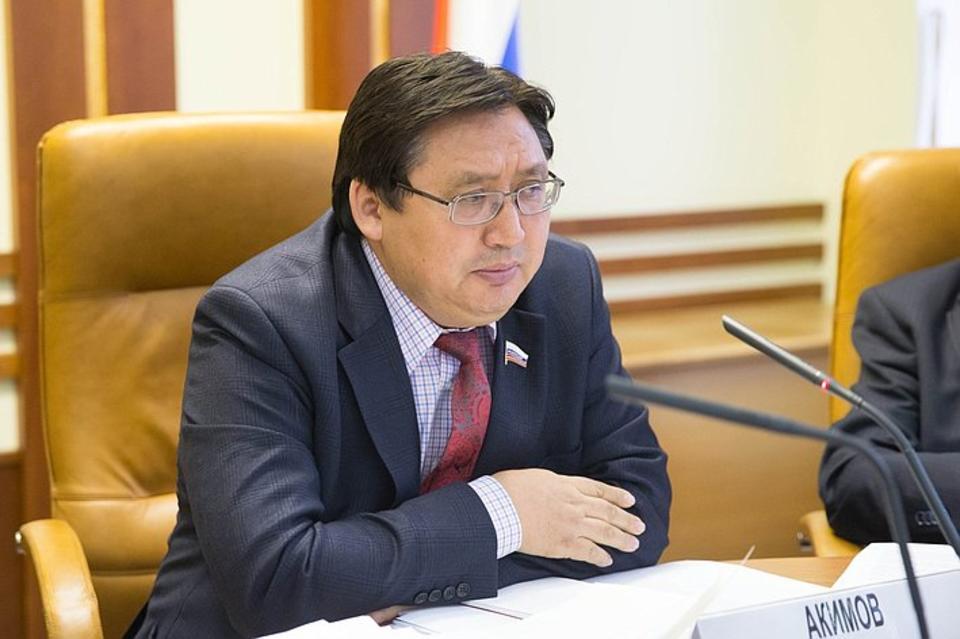 Представитель Ил Тумэна в Совете Федерации является учредителем иностранной компании?