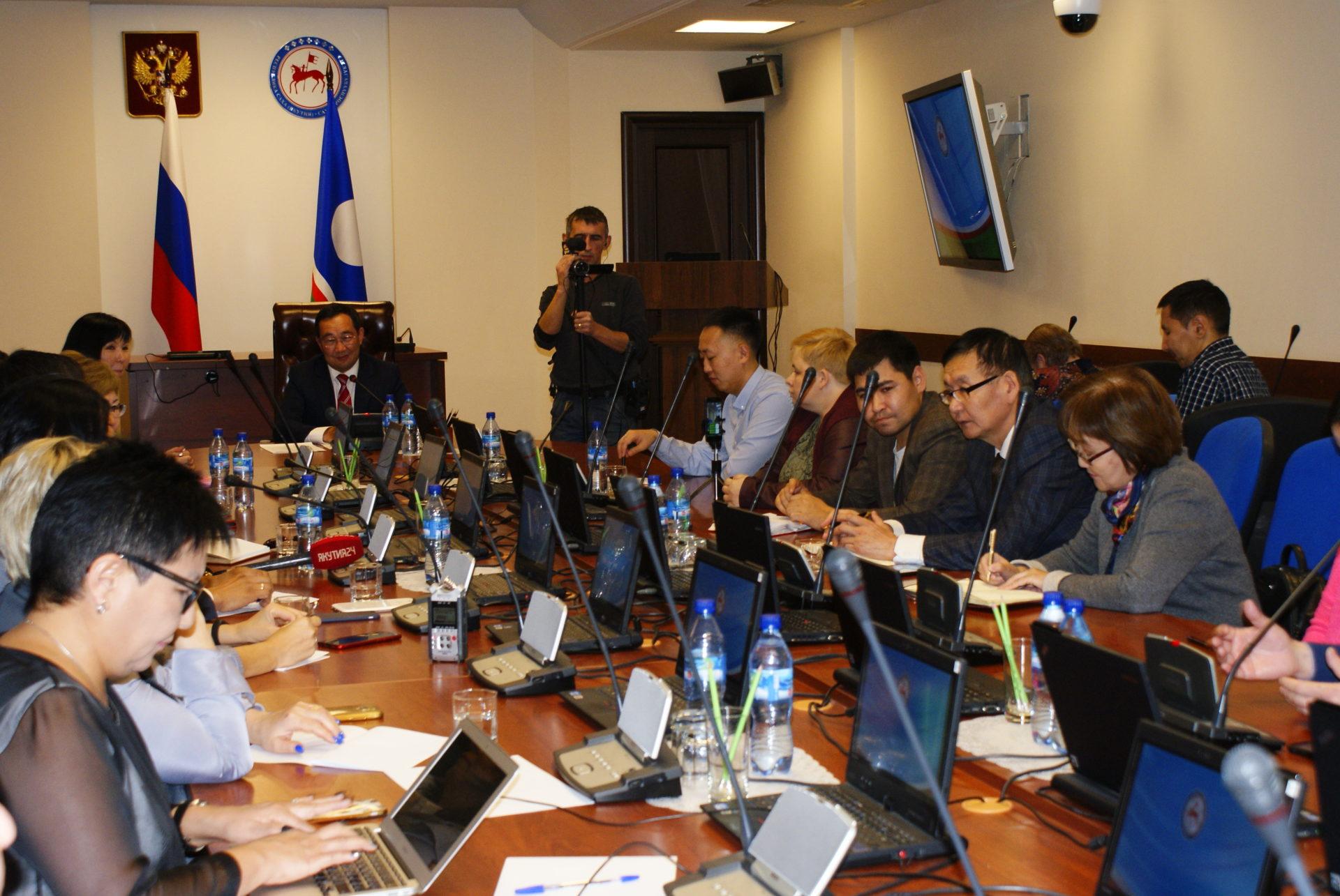 Айсен Николаев ждет предложений от населения