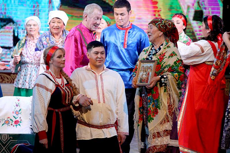 В Якутске прошел фестиваль свадебных обрядов