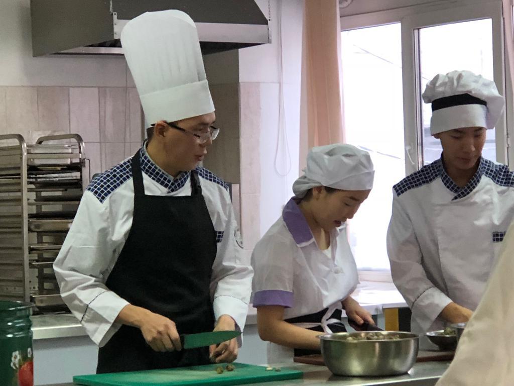 Якутский торгово-экономический колледж и «Сахачай» презентовали новую продукцию